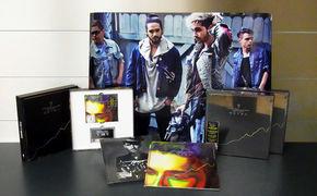 Tokio Hotel, Gewinnt Tokio Hotel Pakete mit signierten Postern und Ltd Super Deluxe Editions Kings Of Suburbia