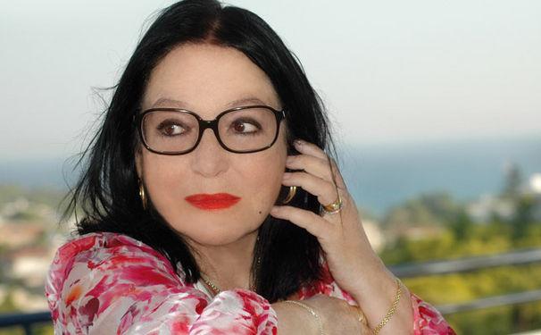 Nana Mouskouri, Nana Mouskouri wünscht sich Spenden statt Blumen