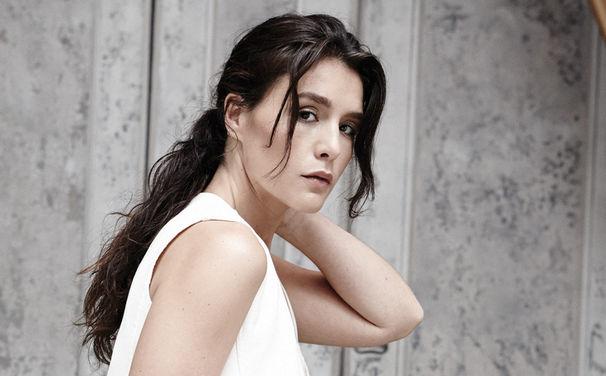 Jessie Ware, Hier in alle zehn Songs reinhören: Jessie Ware veröffentlicht ihr Album Tough Love