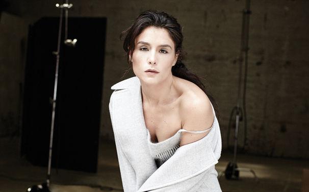 Jessie Ware, Jessie Ware präsentiert erste Single Tough Love und zahlreiche Remixe aus gleichnamigem Album