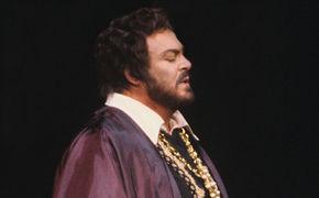 Luciano Pavarotti, New York, New York! Legendäre Rigoletto-Inszenierung auf DVD