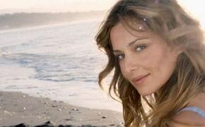 Cheryl, Cheryl präsentiert den zweiten Song aus Only Human: Hier das Video zu I Don't Care ansehen
