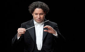 Gustavo Dudamel, Gewinnen Sie hier 2 signierte Alben Mahler 7 von Gustavo Dudamel