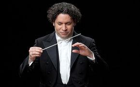 Gustavo Dudamel, Ehrenvolle Aufgabe – Gustavo Dudamel dirigiert Nobelpreiskonzert