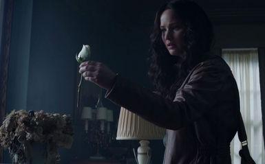 """Lorde, Mockingjay Teil 1 (Trailer mit """"Yellow Flicker Beat"""" von Lorde)"""