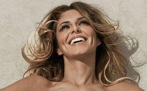 Cheryl, Hier ansehen: Die Akustik-Version zur Single Crazy Stupid Love von Cheryl