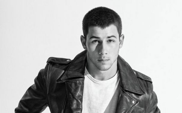 Nick Jonas, Jetzt mitvoten bei den Kids' Choice Awards 2015: Nick Jonas moderiert Preisverleihung und ist selbst nominiert