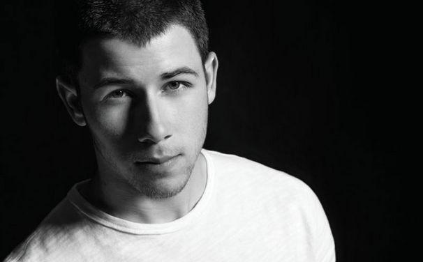 Nick Jonas, Twitter-Takeover: Nick Jonas übernimmt den Twitter-Account von Deezer und beantwortet eure Fragen