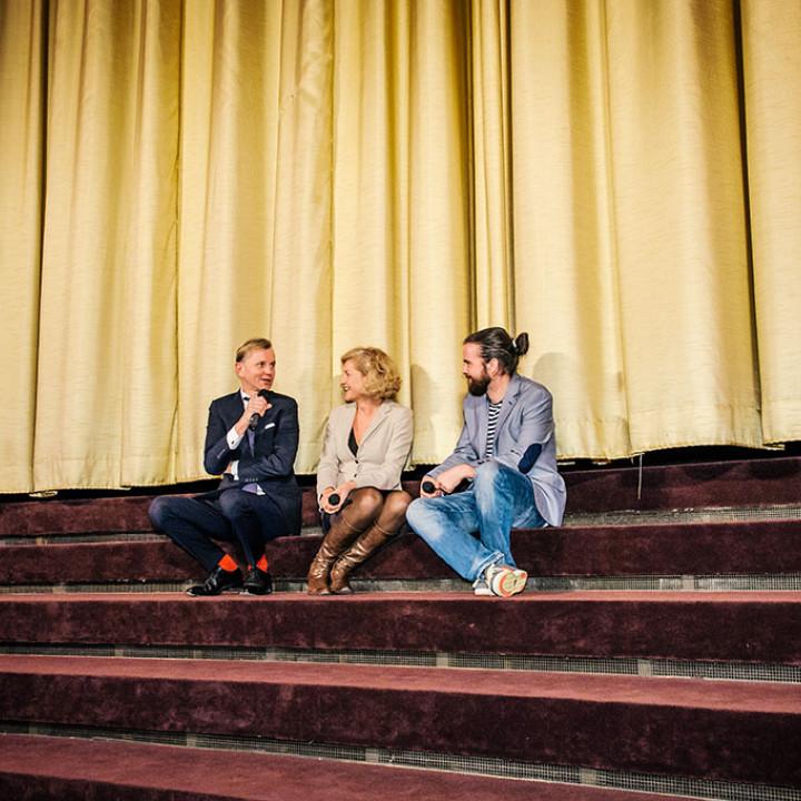 Max Raabe, Annette Gerlach und Regisseur Daniel Lwowski
