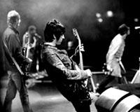 Oasis, Noel checkt ins Studio ein