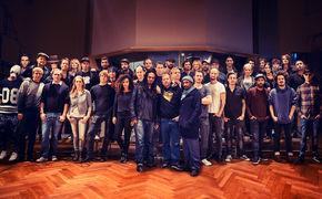 Band Aid 30, Ab sofort erhältlich: Band Aid 30 präsentieren die deutsche Version von Do They Know It's Christmas? und sammeln gegen Ebola