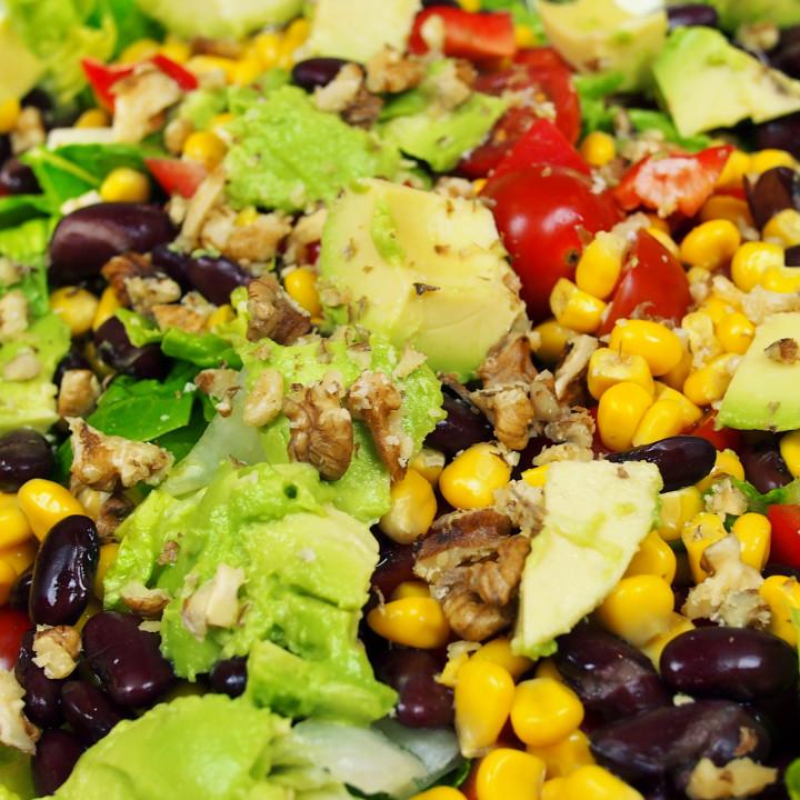 Kunterbunter Rohkost-Salat ©Lars Peter Lueg – Rohe Energie