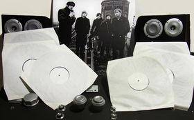 Mando Diao, Mando Diao verlosen drei Testpressungen der Doppel Vinyl Aelita