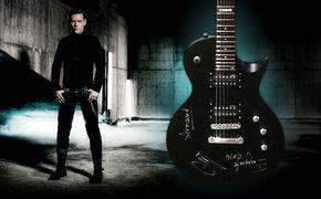 Emigrate, Das absolute Unikat: Holt euch eine von Emigrate handsignierte ESP E-Gitarre