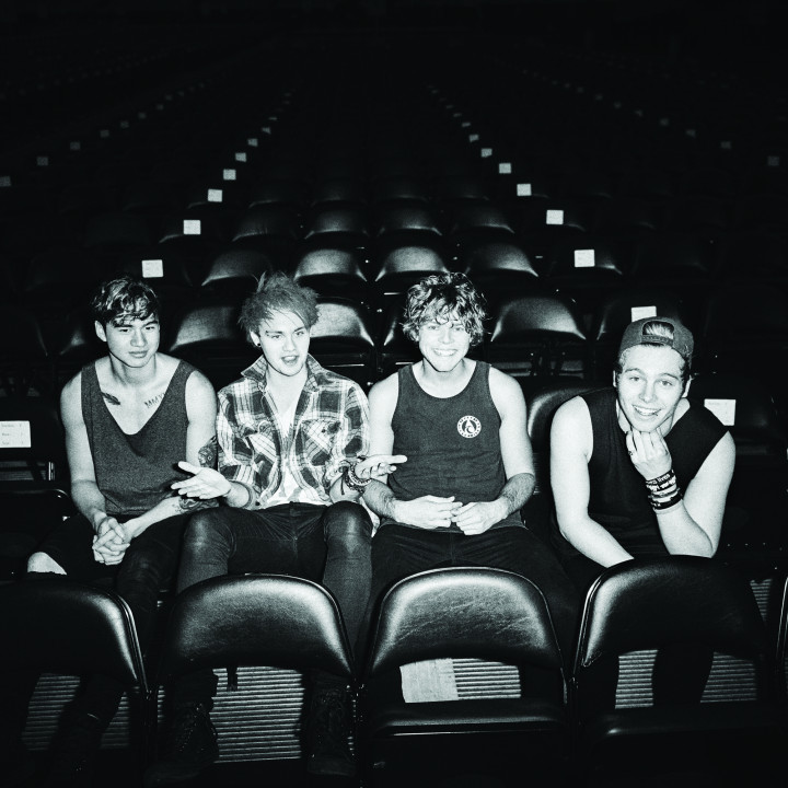 5 Seconds Of Summer – LiveSOS – 2014