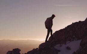 Max Manie, Max Manie hat das Video zu seiner Single Claudius veröffentlicht