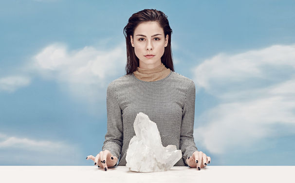 Lena, Lena enthüllt das Artwork ihres Crystal Sky Album-Covers