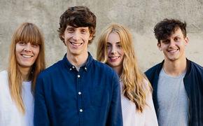 Tonbandgerät, Tonbandgerät haben ihr zweites Album Wenn das Feuerwerk landet veröffentlicht