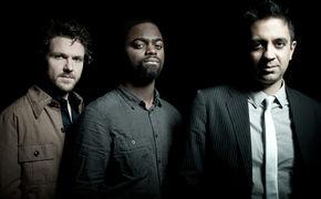 Vijay Iyer, Deutsche Schallplattenkritik - Vijay Iyer Trio gewinnt Jahrespreis
