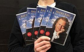 André Rieu, Gewinnt 5 DVDs King Of The Waltz von Weltstar André Rieu
