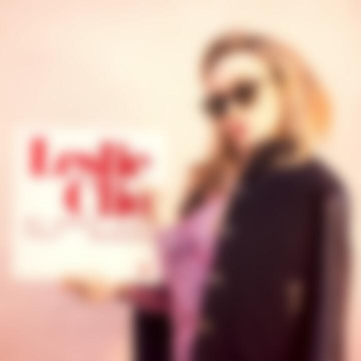 Leslie Clio - My Heart Ain't That Broken