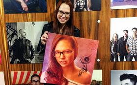 Stefanie Heinzmann, Exklusiv und einmalig: Gewinnt das handsignierte Universal Artistbild von Stefanie Heinzmann