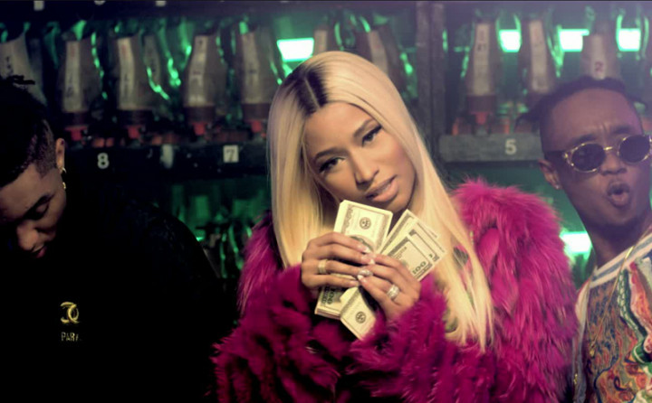 Throw Sum Mo feat. Nicki Minaj & Young Thug