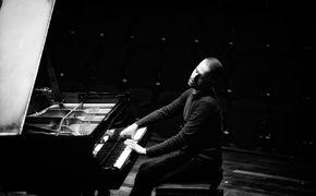 Giovanni Guidi Trio, Giovanni Guidi Trio - Gespür für die Dialektik von Klang und Stille
