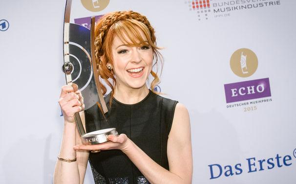 Lindsey Stirling, Zweifach in Folge: Lindsey Stirling gewinnt den ECHO 2015 als beste Crossover Künstlerin
