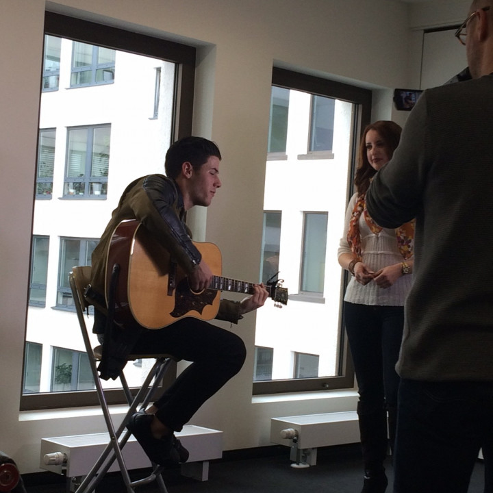 Nick Jonas Performance für RTL Foto 2 20150407