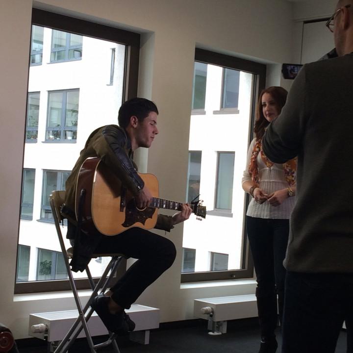 Nick Jonas Performance für RTL Foto 2 20150407