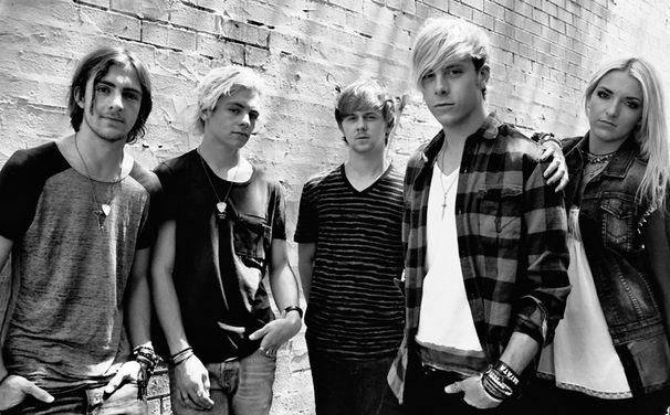 R5, Nach zwei Jahren auf Tour: R5 kündigen zweites Album Sometime Last Night für den 10. Juli 2015 an