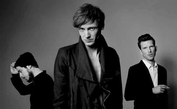 Tüsn, Auf den letzten Metern zum Debütalbum von Tüsn gibt es den gleichnamigen Track vorab: Schuld
