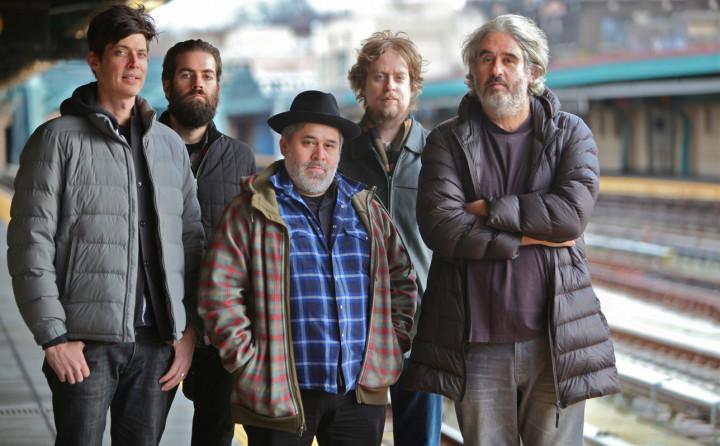 Von links: Ches Smith, Ryan Ferreira, Oscar Noriega, Matt Mitchell, Tim Berne