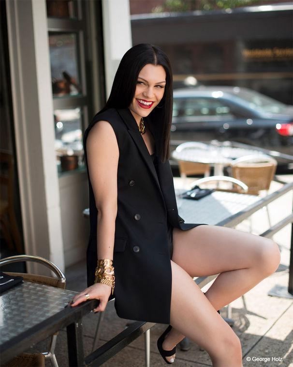 Jessie J, Jessie J präsentiert neue Single Flashlight aus dem Soundtrack zum Kino-Highlight Pitch Perfect 2