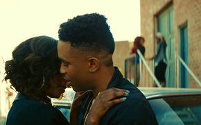 Urban Beats, Sneakers, Frauen und freshe Tanz-Moves: Seht hier das Video zum Song I Just Wanna von Elijah Blake's feat. DeJ Loaf