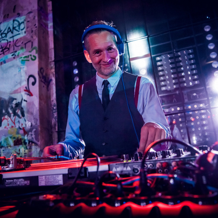 DJ Cle