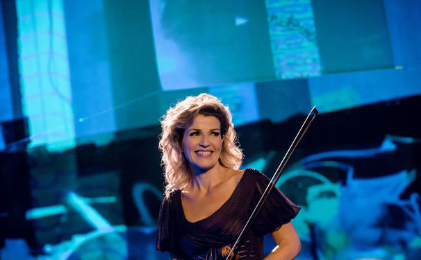 Anne-Sophie Mutter, Auf Bildschirm und Bühne - Anne-Sophie Mutter im ZDF mo:ma und auf Tour