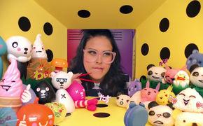 SAARA, Cooler Pop-Star: SAARA stellt sich mit der Single Ur Cool vor