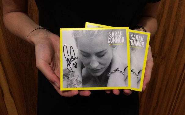 Sarah Connor, Gewinnspiel: Signierte Versionen von Sarah Connors Album Muttersprache