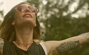 Gin Wigmore, Ein spannender Krimi: Gin Wigmore präsentiert zweiteilige Video-Reihe zum Song Written In The Water