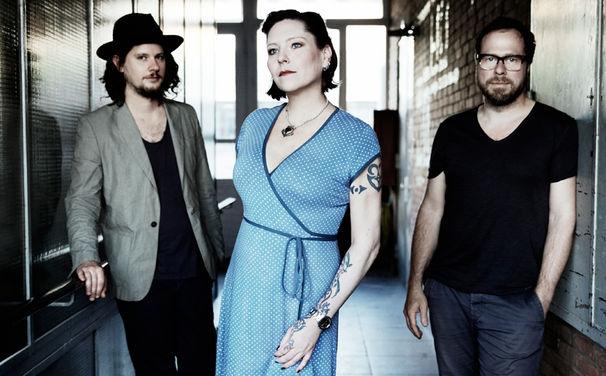Gleis 8, Trotz geschobener Album-VÖ: Gleis 8 veröffentlichen ihre erste Single Vorbei