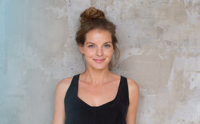 Yvonne Catterfeld, Einsatz für Flüchtlinge: Yvonne Catterfeld covert People Get Ready für ZDF-Spendengala