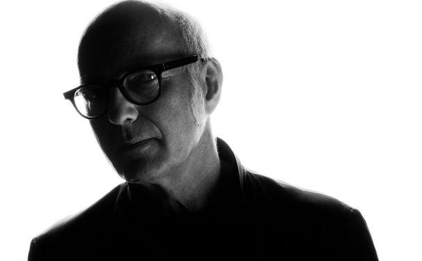 Ludovico Einaudi, Tastenzauber im Stadion - Ludovico Einaudi füllt die Kölner Lanxess Arena mit seinen minimalistischen Klängen