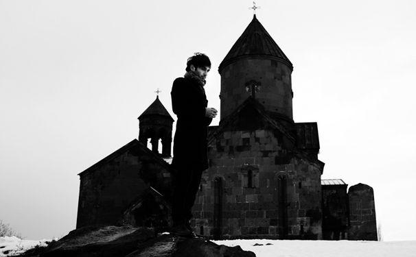 Tigran Hamasyan, Vorwärts in die Vergangenheit: Tigran Hamasyan improvisiert über armenische Kirchenmusik