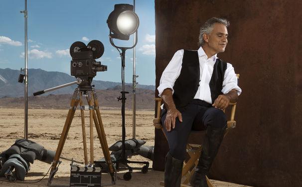 Andrea Bocelli, Gelungene Mischung! E Più Ti Penso feiert Videopremiere