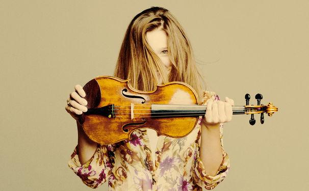 Janine Jansen, Mozart: Divertimento K. 563, Brahms: String Sextet no. 1