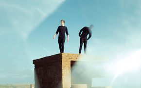 Aquilo, Herzlich Willkommen bei Universal Music: Das Newcomer-Duo Aquilo mit ihrer EP Calling Me