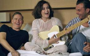 Bryan Adams, Brand New Day: Schaut hinter die Kulissen des Videodrehs mit Bryan Adams und erfahrt mehr über den Song