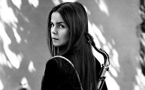 Mette Henriette, Mette Henriette: Eine Saxophonistin auf der Suche nach Abenteuer und Herausforderung